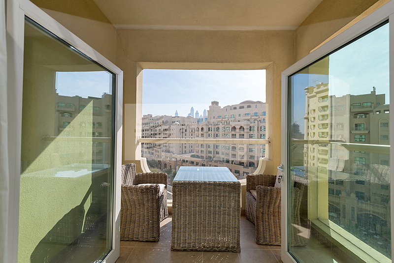 P/Sea and Park Views | Vacant 2 BR+Maids