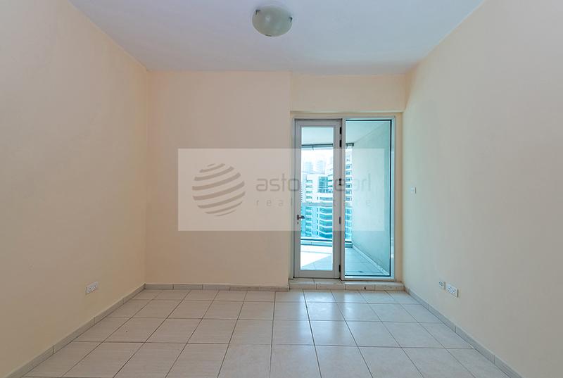 Newly Painted, 1BR Barsha Heights(TECOM)