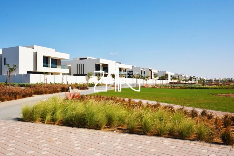 garden-view-large-4br-villa-with-garden