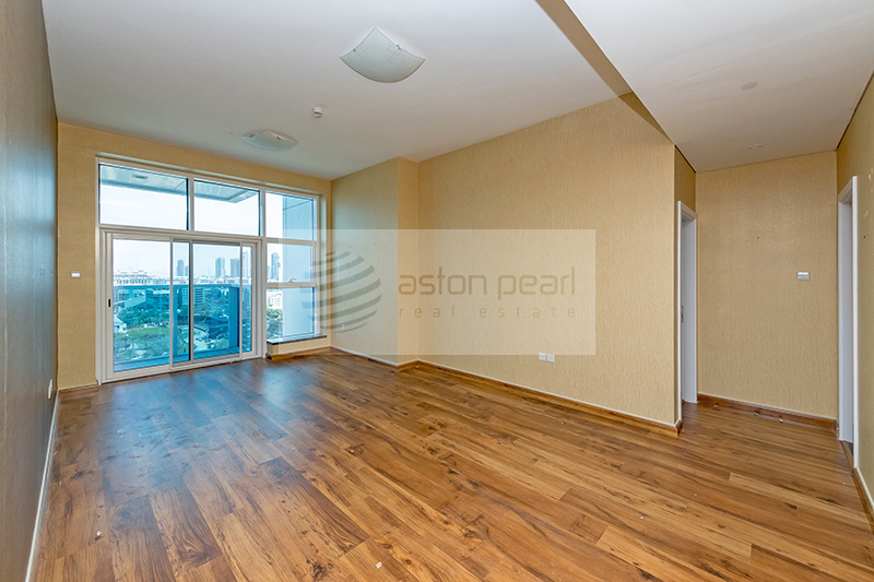 Ready to Move in| Vacant | 2 BR with Large Balcony