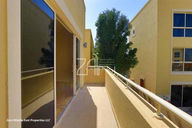 single-row-spacious-3-br-th-with-garden