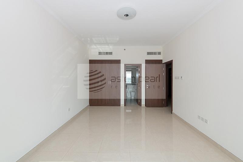 Spacious Apt. Private Terrace+Store room