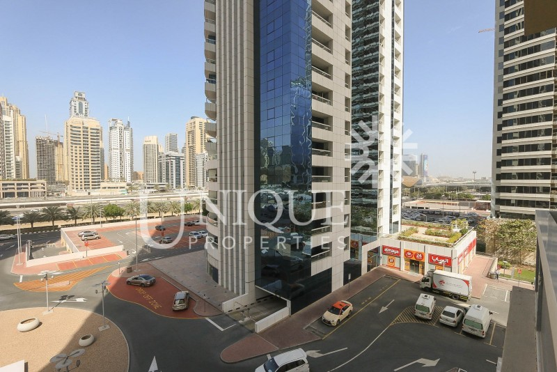 Fabulous 1Bed with Sheikh Zayed Skyline view