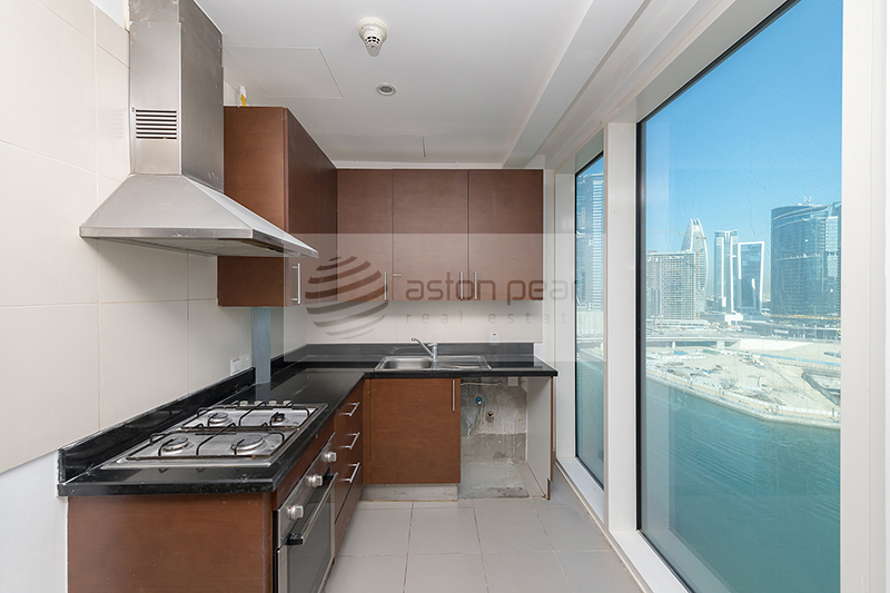 Burj And Canal View | AC / Gas Free |3BR