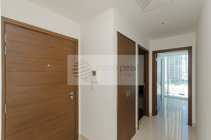 Burj and Canal View | AC / Gas Free | White Goods