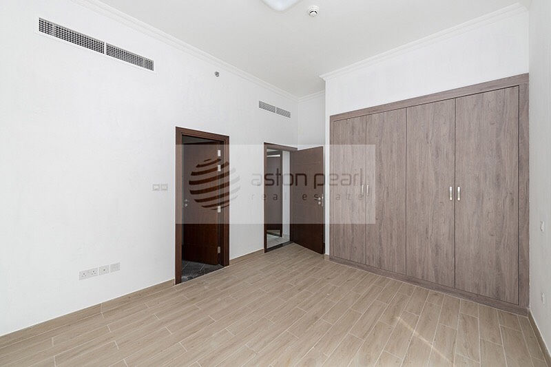 Spacious Stylish 2BR+M Closed Kitchen 1 Month Free