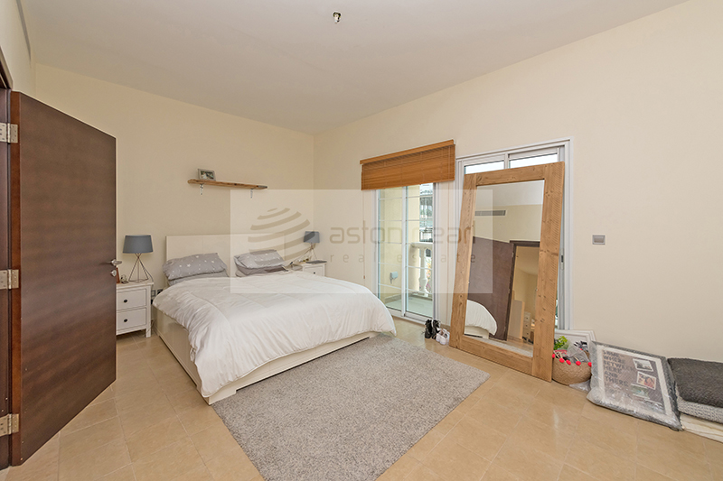 Well Maintained 1BR Med. Type Townhouse