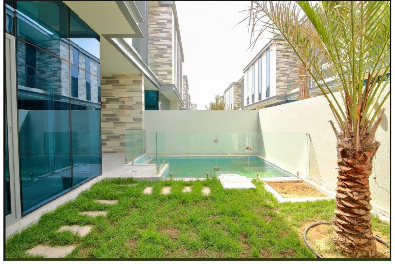 Contemporary 4 Bedroom plus Maids payable to 6 chqs
