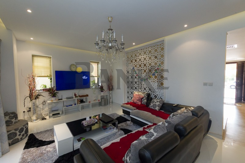 super-hot-price-furnished-5br-townhouse