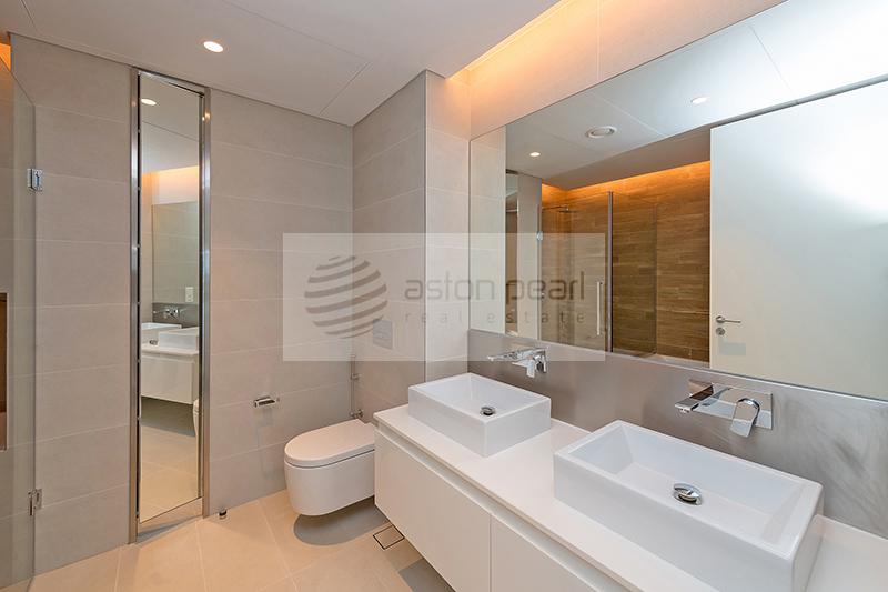 High Floor 2 BR | Full Sea and Dubai Eye View