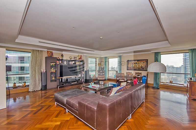 Upgraded Perfect Condition 4 BR Duplex Penthouse