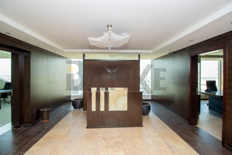 fully-furnished-sheikh-zayed-road-close-to-metro