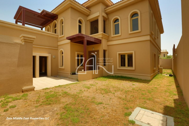 golf-view-single-row-4br-villa-with-pool