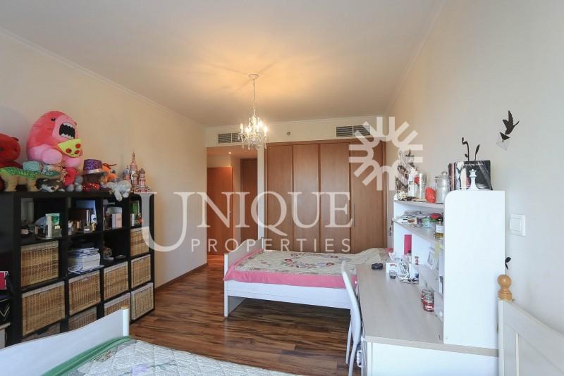 Unique 3 bedroom Terrace apartment I 6200 Sqft