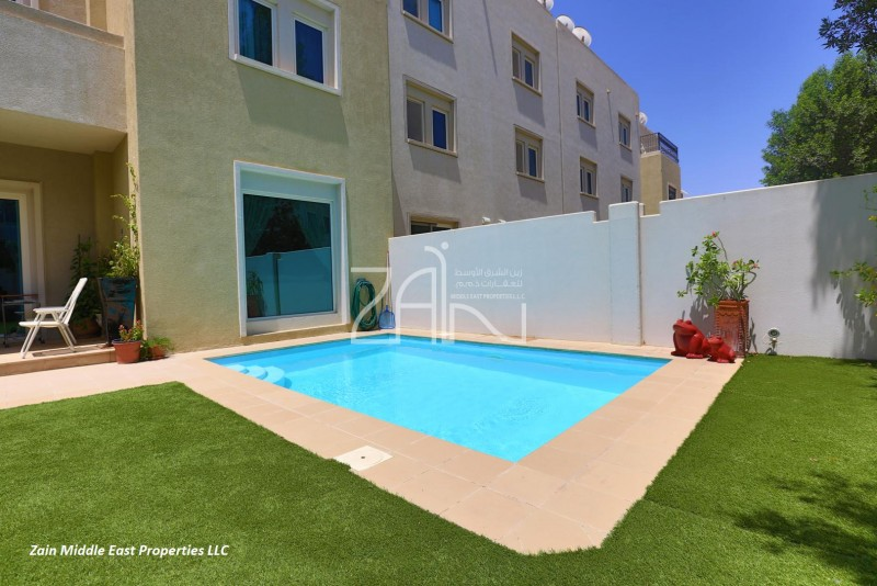 vacant-5br-villa-with-private-pool-garden