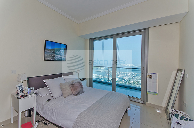 Sea Palm View 2BR with Maids room 1 Parking Space