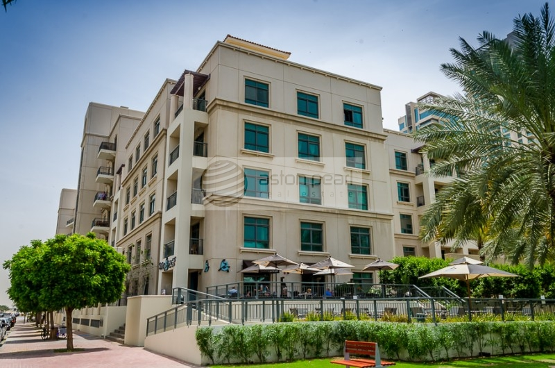 Lake and Park View | 1BR | Well Facilitated | ARNO