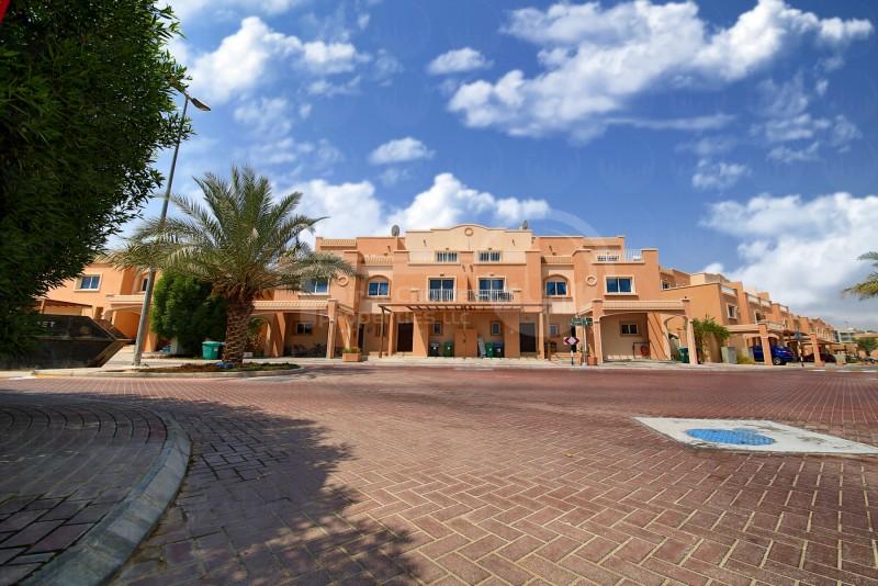 buy-nowexcellent-single-row-villa-in-reef