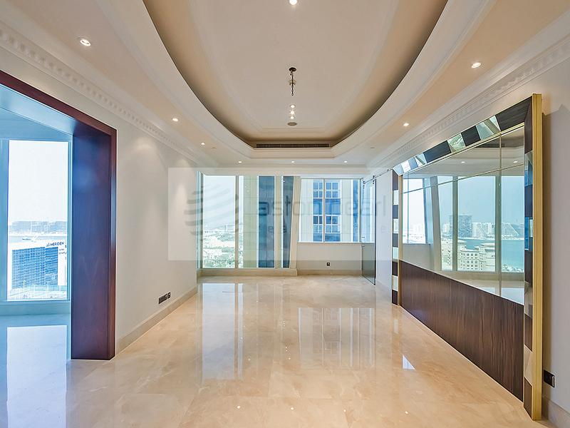 01 Series Classic Style Penthouse, 4BR+M
