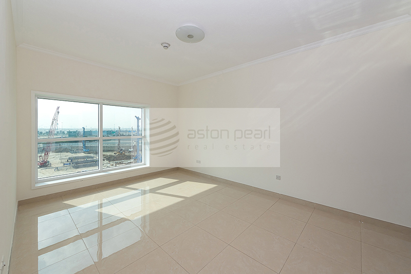 Spacious 3 BR+M with Full Lake / Burj Khalifa view