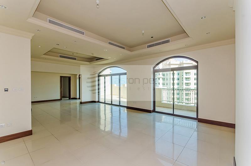 Park Terrace Duplex-Penthouse 3BR + Maid