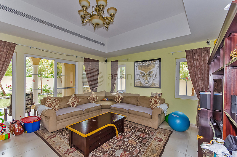 Beautiful 3BR+M Villa | Close to Pool and Park
