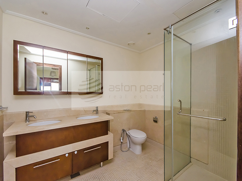 Price Reduced / Motivated Seller, 3B Ensuite Apt.