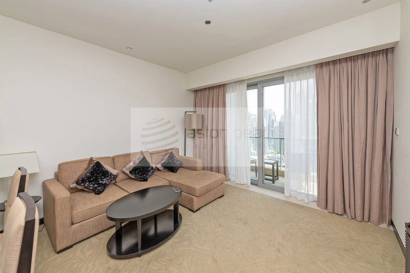 Beautiful 1 Bed, Fully Furnished, High Floor