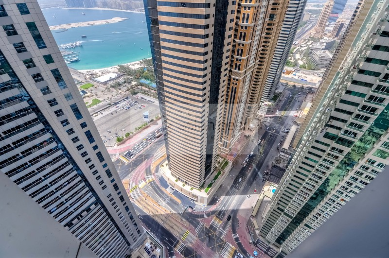 On High Floor - 2 Bedrooms - Marina View
