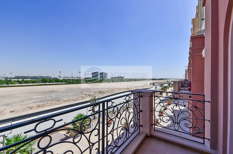 Brand New, Largest 1BR with Study, Canal Residence