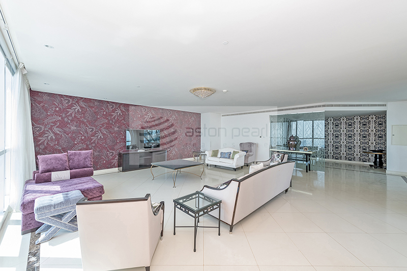 01 Series, 4BR+M, Upgraded Duplex Penthouse
