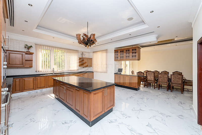 Breathtaking 6BR Mansion Overlooking Golf Course