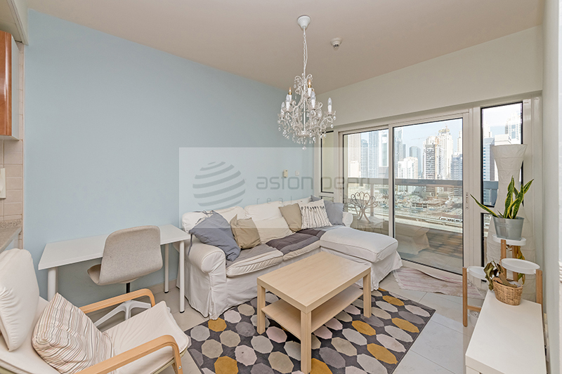 Vacant, Furnished 1 BR + Study with Park View