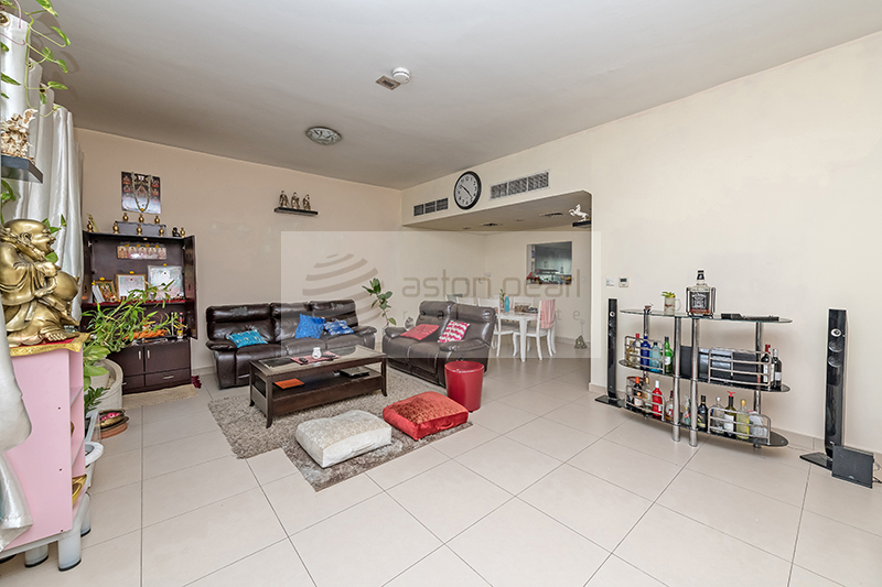Stunning  3BR Townhouse with 2 Parking Spaces
