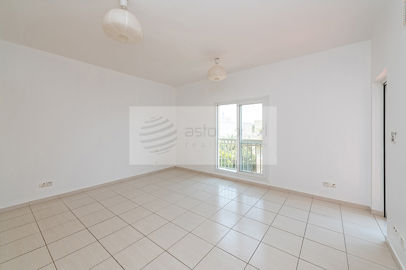 Vacant, Lake View, Type 3M, Lovely Garden