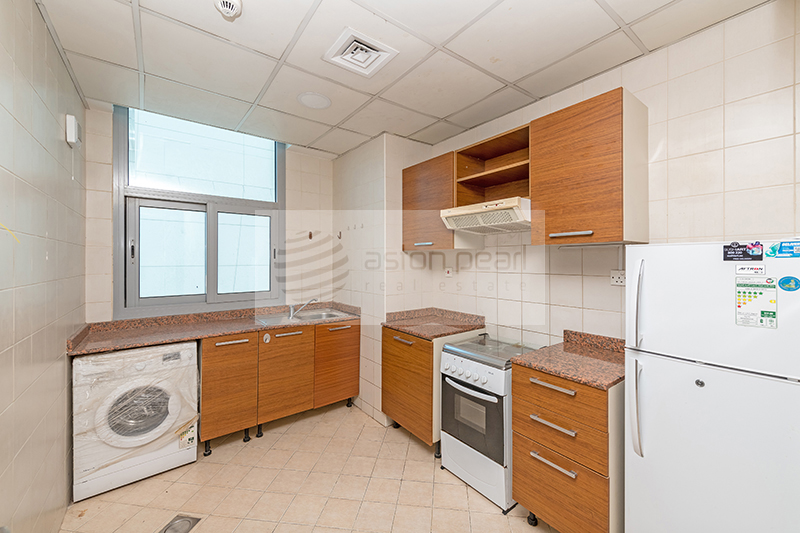 Exclusive Spacious 1BR | Closed Kitchen | Vacant