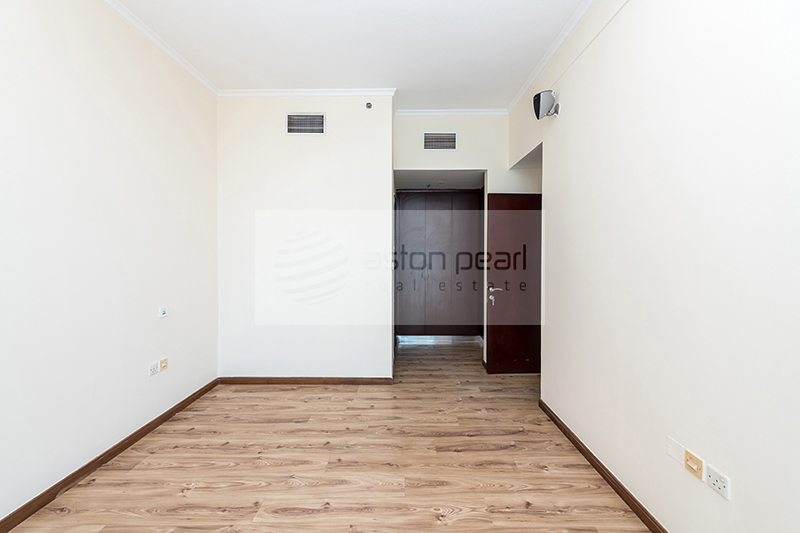 Spacious 1BR | Closed Kitchen | Exclusive For Sale