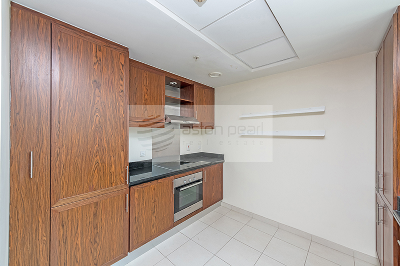 Beautiful Large 1BR with Balcony, Panoramic View