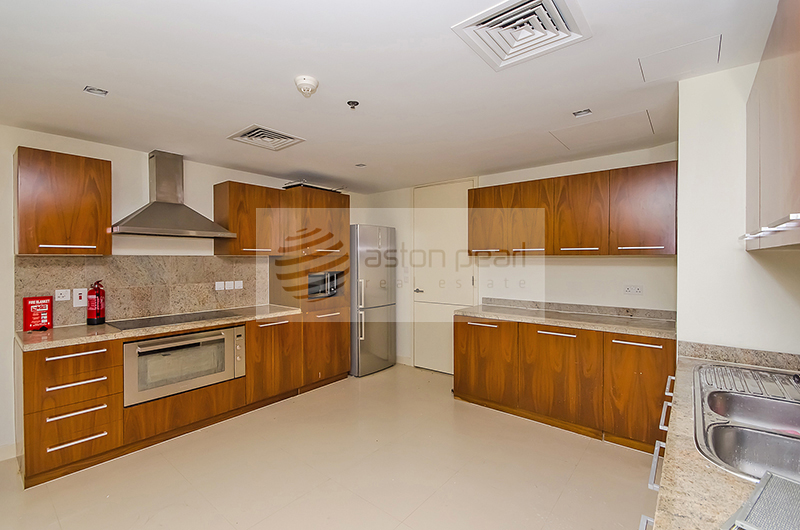 Freshly Upgraded, Large 3BR, Brand New Condition