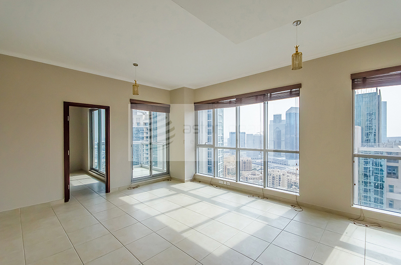 Spacious 1 Bed in the Heart of  Downtown