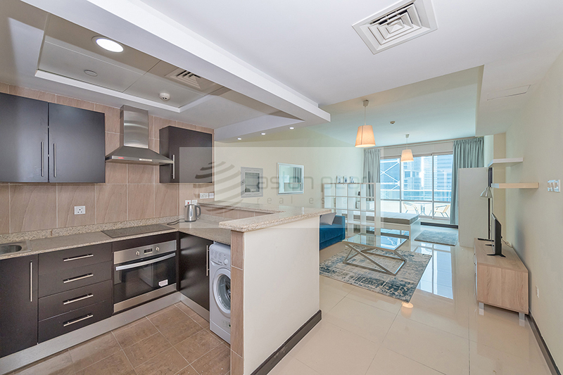 Brand New Furnished w/ith Full Size Kitchen