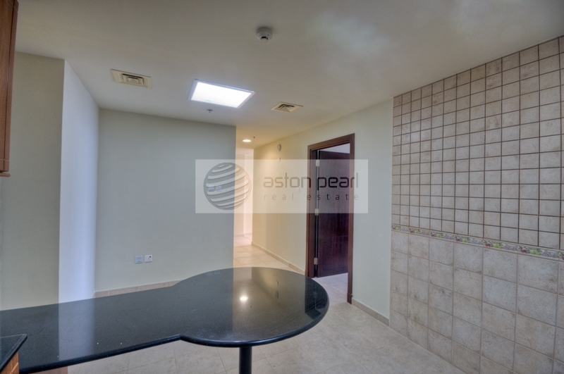 Spacious 1 BR with Beautiful Marina view