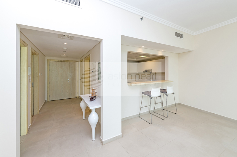 Luxurious Sea Front Living in Beautiful 1BR