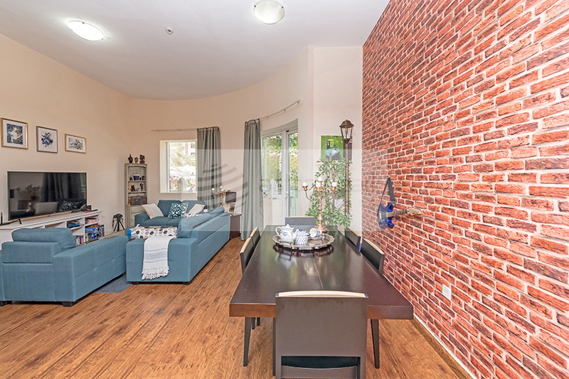 Well Maintained, Spacious 2BR for Sale in JVC