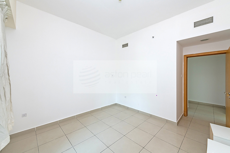 Well Maintained 3BR Apartment   Vacant on Transfer