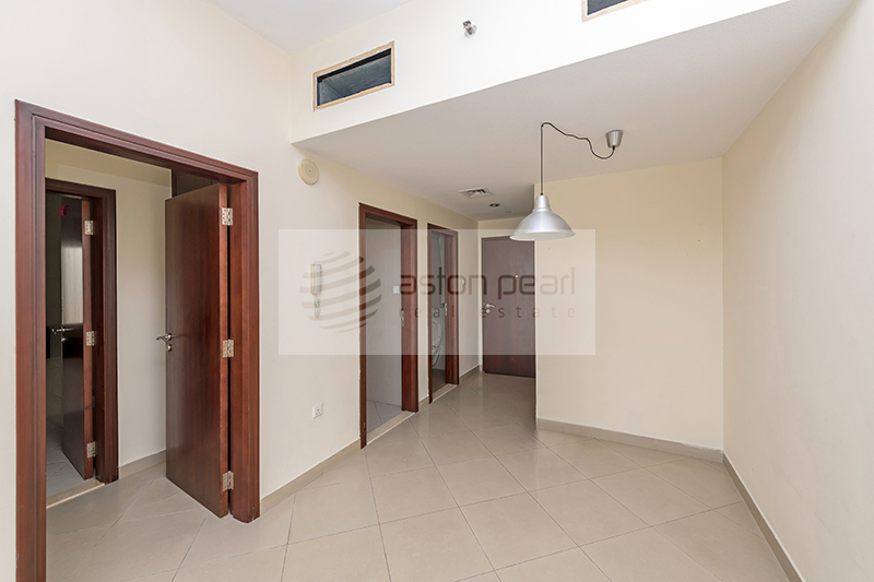 Vacant, Unfurnished One Bedroom, ICON TOWER 1