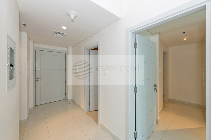 Exclusive | Beautiful 1 BR | Vacant Apt.