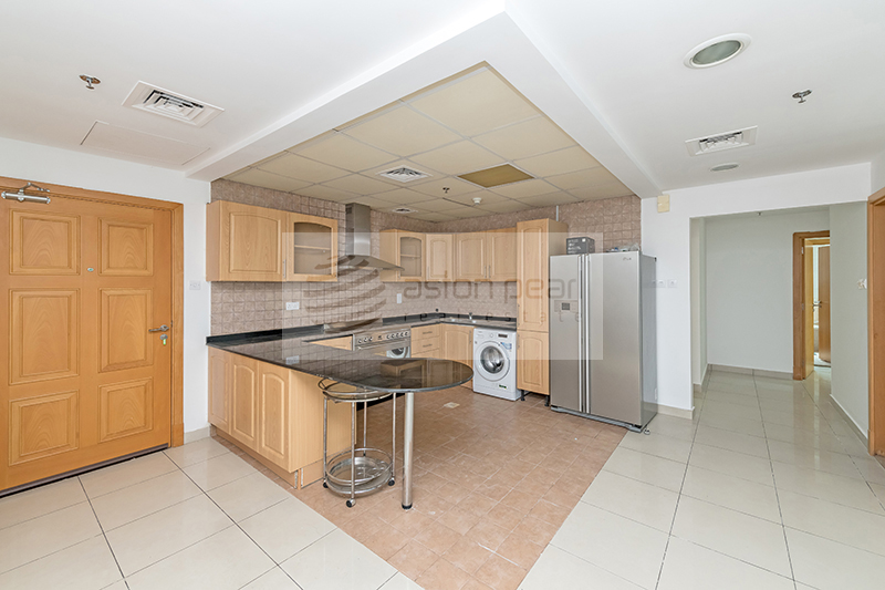 Well Maintained 3BR Apartment | Vacant on Transfer