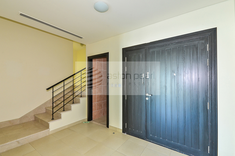 Huge Med. Type 1BR+Study, Private Townhouse