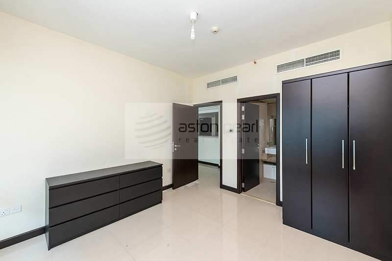 New Listing Vacant | Large 1 BR | O2 Tower JLT
